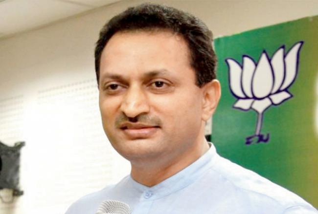 Anant Kumar Hegde comments raise heat - Sakshi