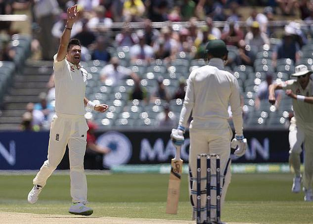 james Anderson becomes first England cricketer to 800 wickets - Sakshi