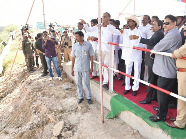 CM KCR Inspects Kaleshwaram Project Works - Sakshi