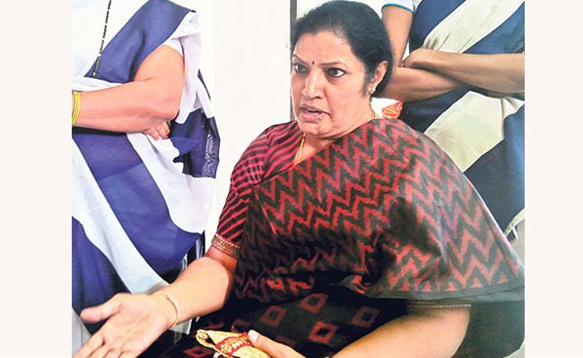 daggubati purandeswari comments on polavaram project - Sakshi