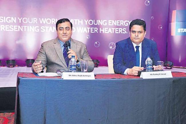 Rs 1,000 crore business target - Sakshi