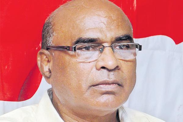 Chada Venkatreddy on fees regulatary act - Sakshi
