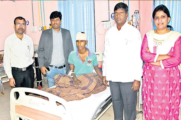 Rare surgery in Government General Hospital - Sakshi