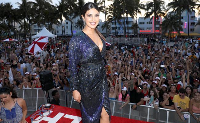 Priyanka Chopra named world's sexiest Asian woman in 2017 - Sakshi