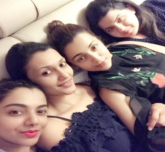Trisha posts Bank Examinations most important Bit - Sakshi