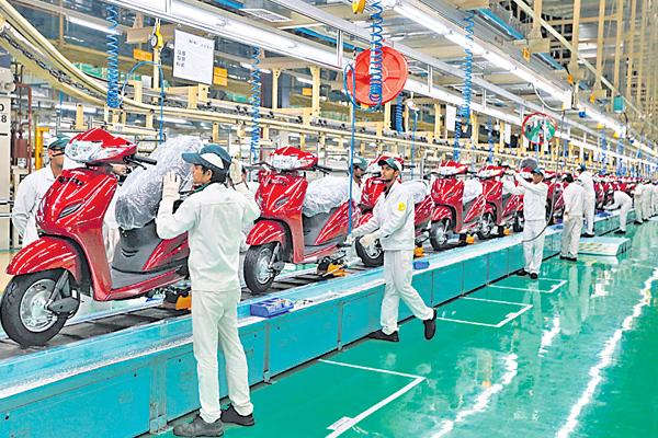 appointments slow down in auto mobile sector - Sakshi