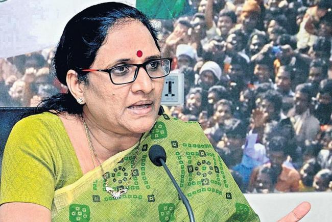 Vasireddy Padma Demands CBI Probe on Polavaram irregularities - Sakshi