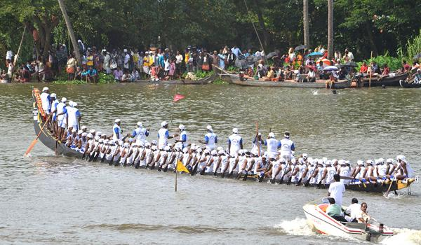 Boat competition in nagayalanka - Sakshi