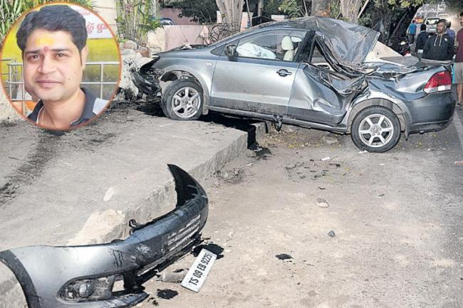 road accident in jubilee hills, one died - Sakshi
