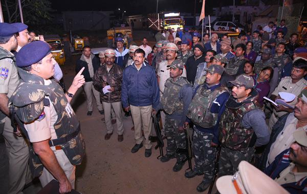 Police Cardon Search In Bhuvanagiri - Sakshi