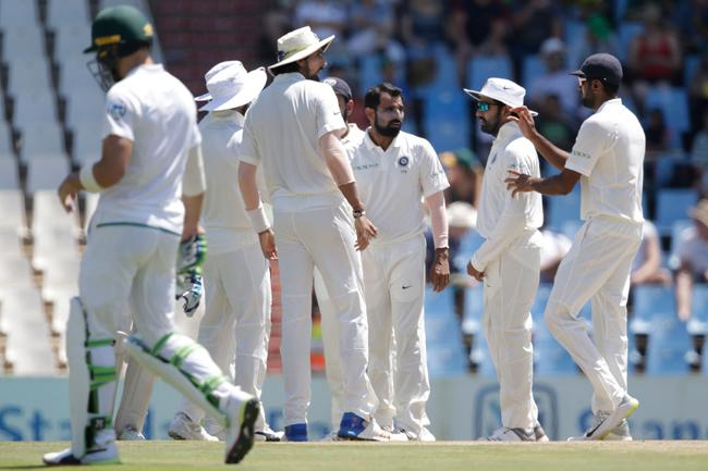 India restrict South Africa to 335 - Sakshi
