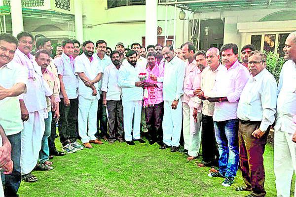 TRS Won two mptc seats in nalgonda - Sakshi