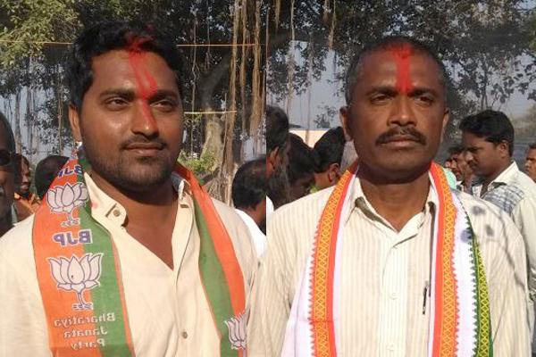 TRS loses two local body seats in karimnagar - Sakshi