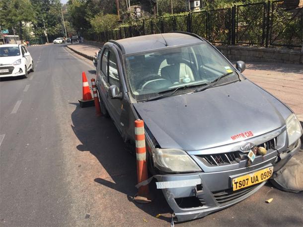 Road accident in Jublihills - Sakshi