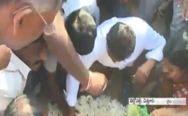 ys jagan padayatra completes 900 kms in chittoor - Sakshi