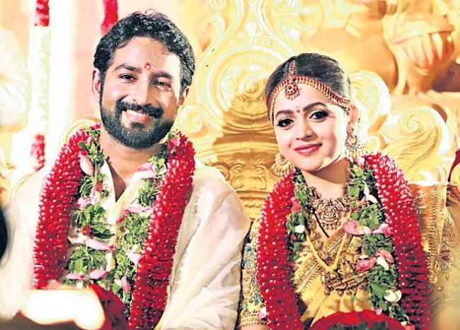 Malayalam Actress Bhavana Marries Producer Naveen - Sakshi