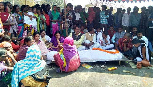 Protests intensify across state after victim commits suicide - Sakshi