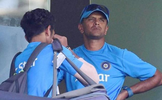 Dravid advice for Under 19 cricketers about IPL auction - Sakshi