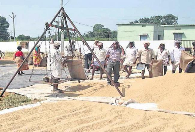 Farmers was suffering in the state for cost price - Sakshi
