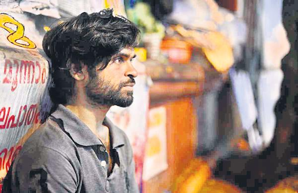 kerala cm vijayan accepted enquiry on srijiv earth mystery - Sakshi