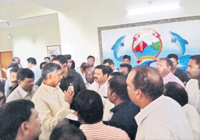CM Chandrababu fires on Fishermens - Sakshi