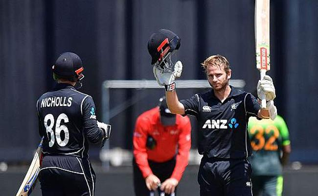 Williamson, pacers star in easy New zealand win - Sakshi