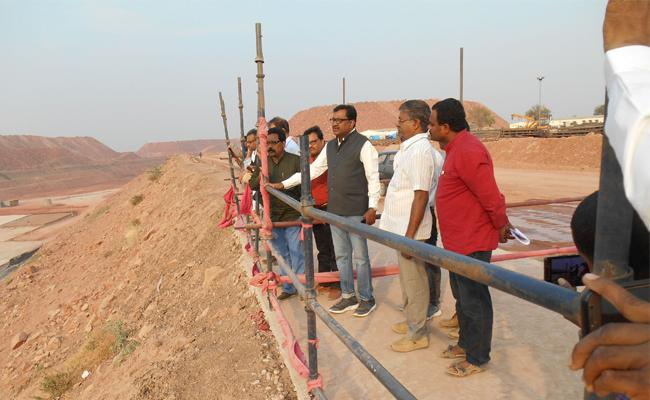 Kaleshwaram project is awesome says professors - Sakshi
