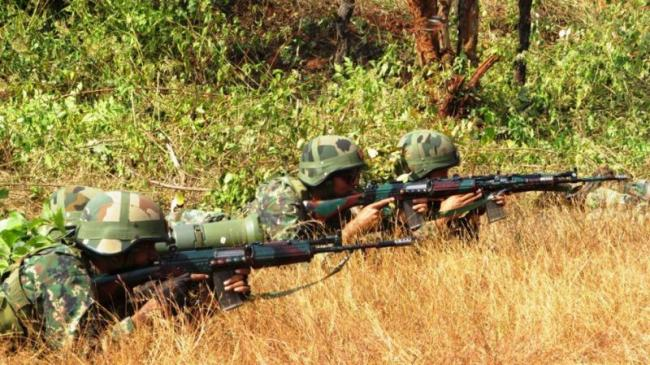 Defence Ministry allows purchase of 7.40 lakh assault rifles for Armed forces - Sakshi