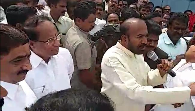 lawyers protest in speaker tour - Sakshi
