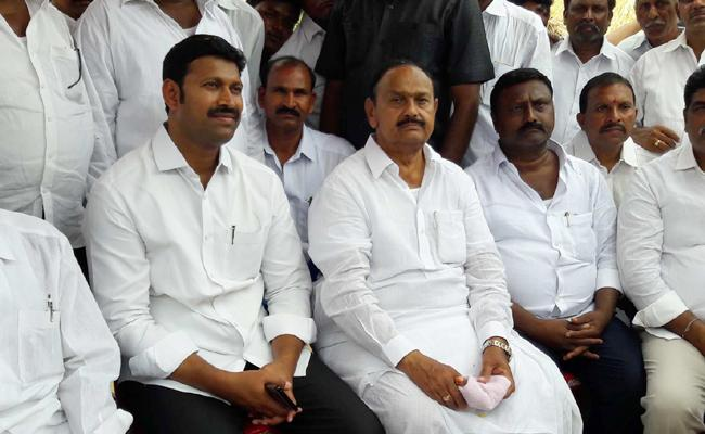 We Shall Fight Until Special Status Is Attained - YSR Congress - Sakshi