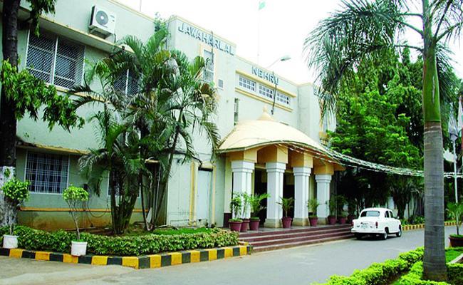 tdp Corporators target to commissioner - Sakshi