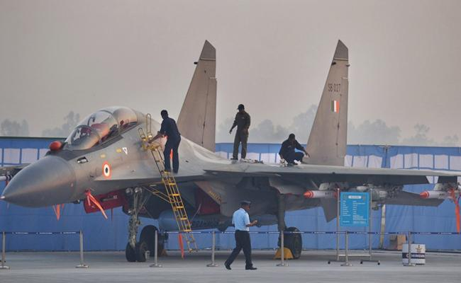 IAF Operate Sukhoi planes along China Border - Sakshi