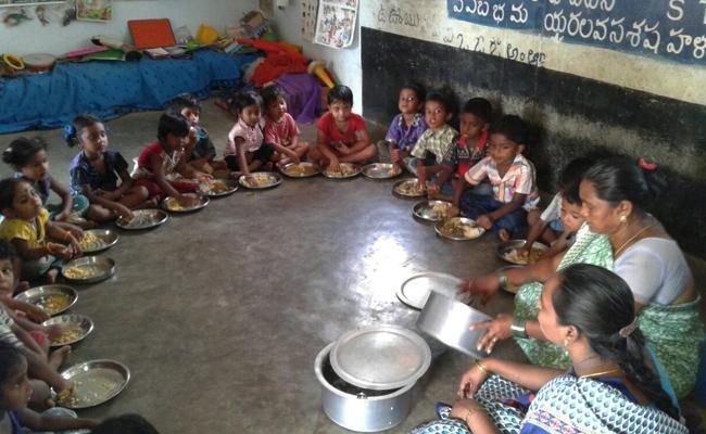 common rice supply in anganwadi schools - Sakshi