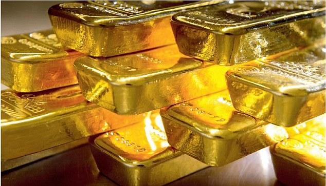 Fake Gold Gang Arrested in karimnagar district - Sakshi
