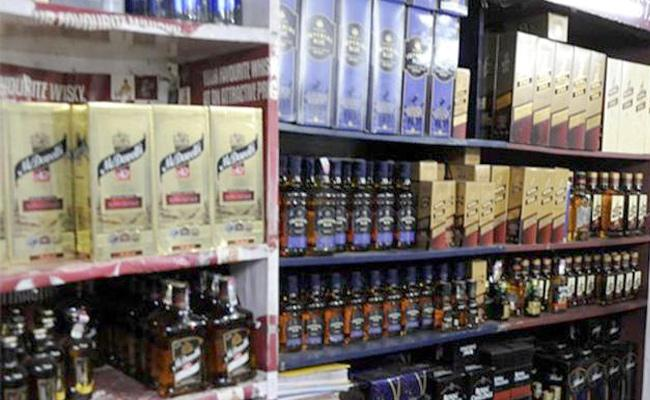 Phase by phase liquor ban in Tamil Nadu, says government - Sakshi