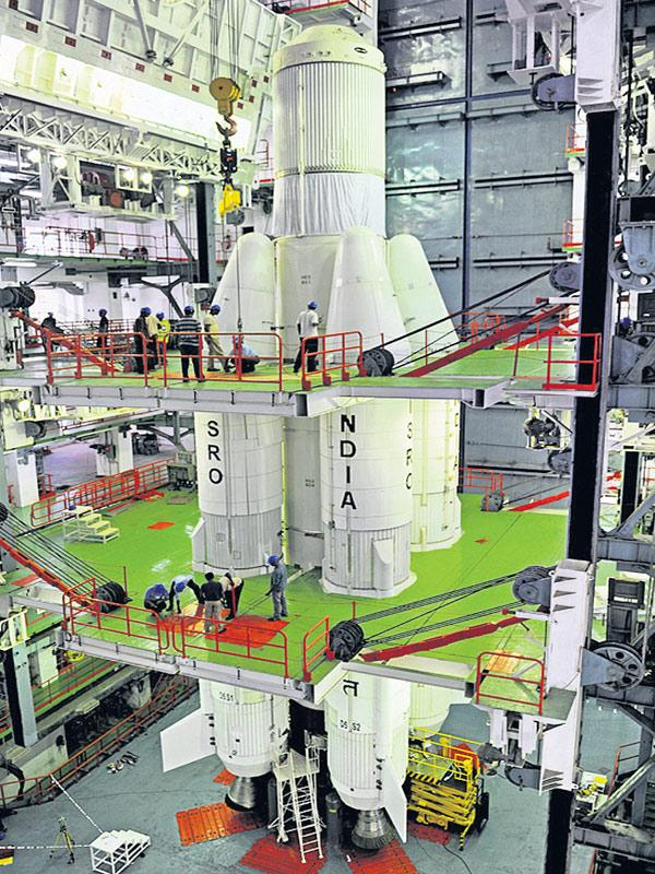 GSLV F08 launching postponed to15th March - Sakshi