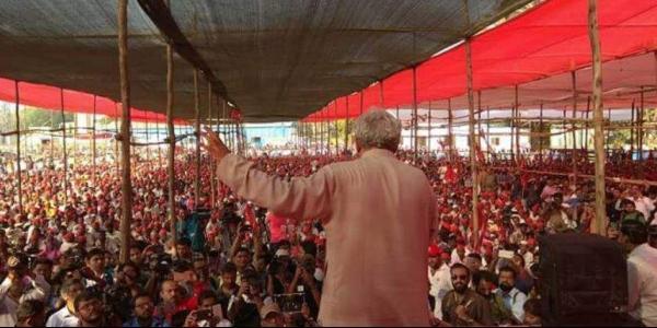 Farmers Can Uproot Governments, Warns Sitaram Yechury - Sakshi