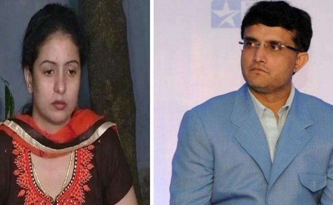 Spoke with Sourav Ganguly before taking the feud in public, Jahan - Sakshi