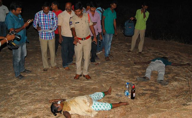 Father And Daughter Commit Suicide In Warangal - Sakshi