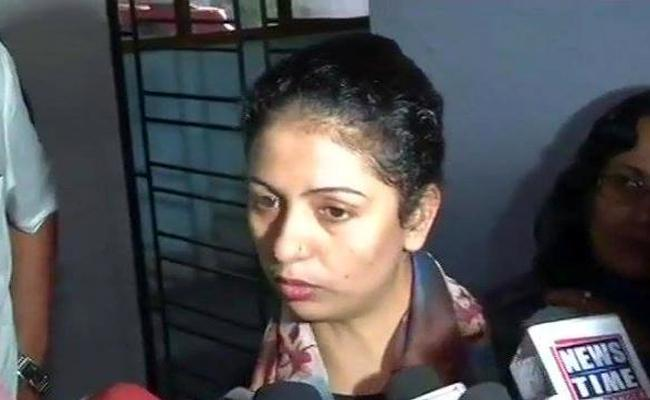 Hasin Jahan Request To Media Help to Shami Case - Sakshi