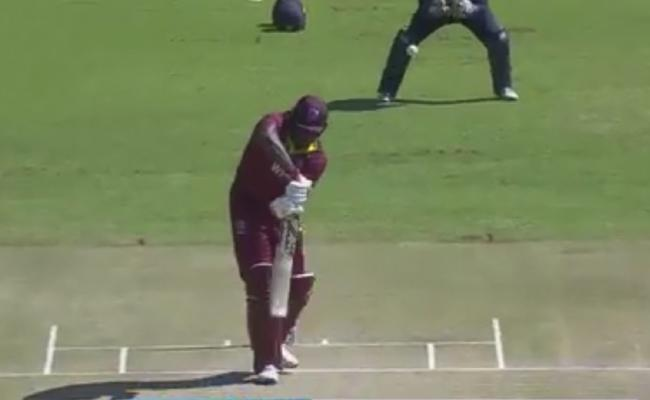 Chris Gayle Falls For A Duck On The First Ball - Sakshi