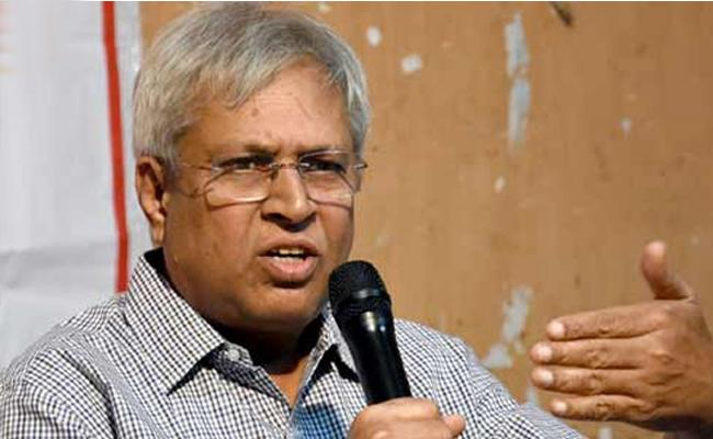 Undavalli Arun Kumar Slams Chandrababu Over Polavaram Project - Sakshi