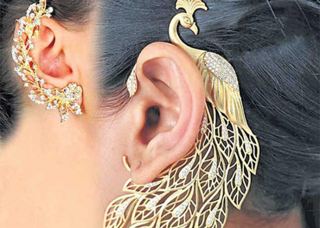 Cuffs for the ears - Sakshi