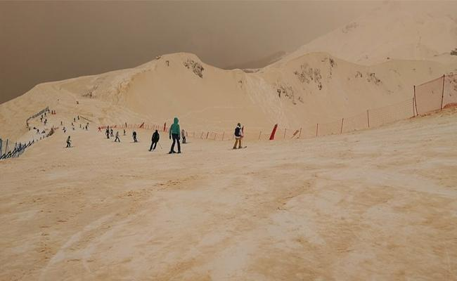 Iceberg turns into Orange Snow in East Europe - Sakshi