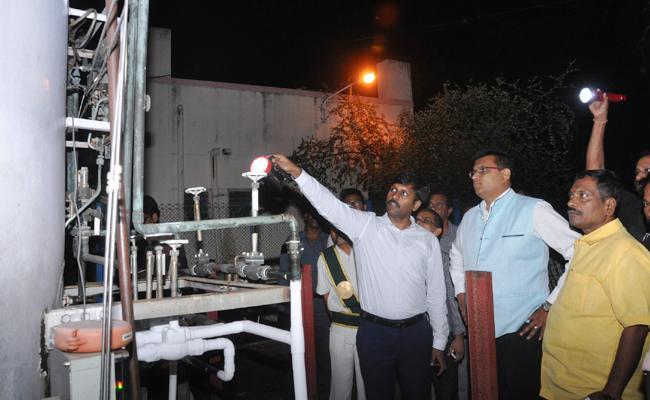 Oxygen Pipeline leak in Ruya Hospital - Sakshi