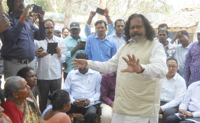 Agency People Protest For Polavarm - Sakshi