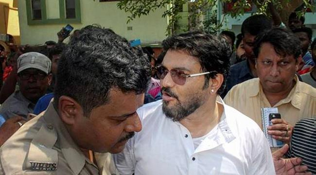 Babul Supriyo booked for rioting, assaulting IPS officer  - Sakshi