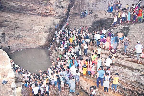 Lord shiva festival starts today on wards - Sakshi