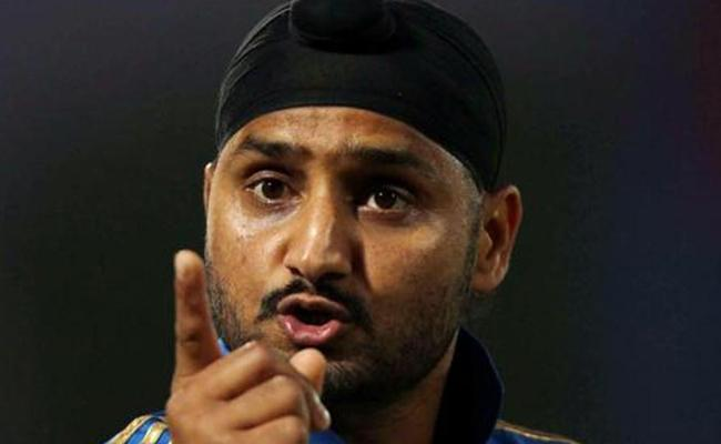 Harbhajan Singh U turn In Ball Tampering Issue Supports Them - Sakshi