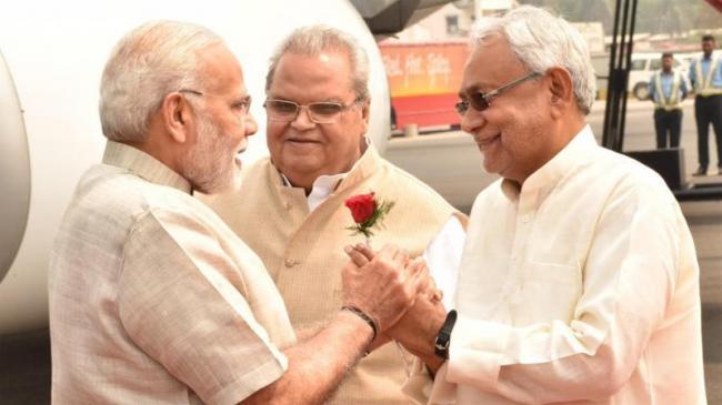 Tejashwi Yadav Questions PM Modi's False Claim - Sakshi